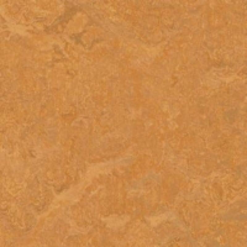 Спортивный натуральный линолеум.83176