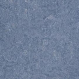 Спортивный натуральный линолеум.83055